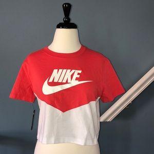 Nike Women's Heritage Crop T-Shirt